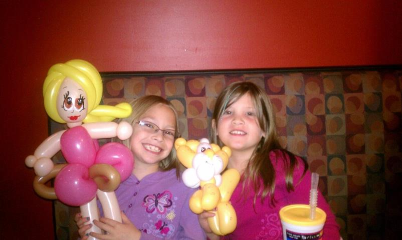 Photo: The balloon twister at Brixx is awesome!!