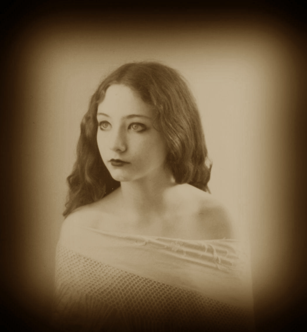 http://fc02.deviantart.net/fs70/f/2011/231/0/5/lillian_gish_3_by_step_in_time_stock-d474u03.jpg